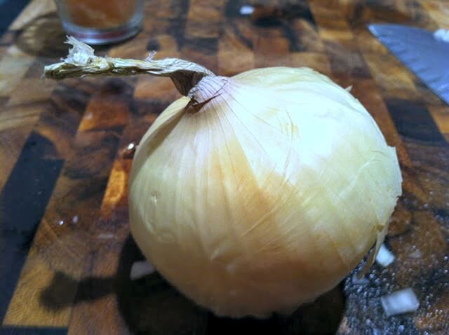 The correct side of an onion to cut - The Correct way to Dice an Onion and How not to cry