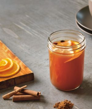 Crock pot apple cider and Over 40 fall drink recipes including cocoas, ciders and cocktails