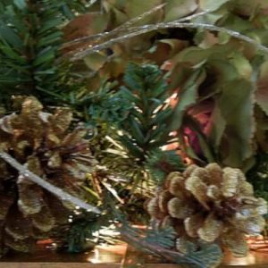 gold_glittered_pinecones_krylon_glitter_blast_spray_paint