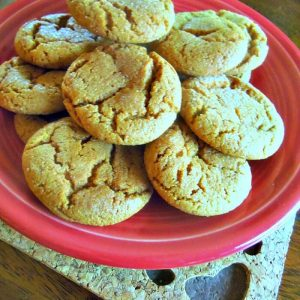 Homemade Ginger Snap Cookies - Easy and Makes a lot!