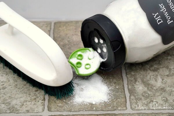 DIY Powder Cleanser an all natural cleaner that will help you scrub away stubborn stains! Pin it to make it!
