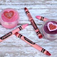 How to Make Crayon Lipstick {A fun kids craft}