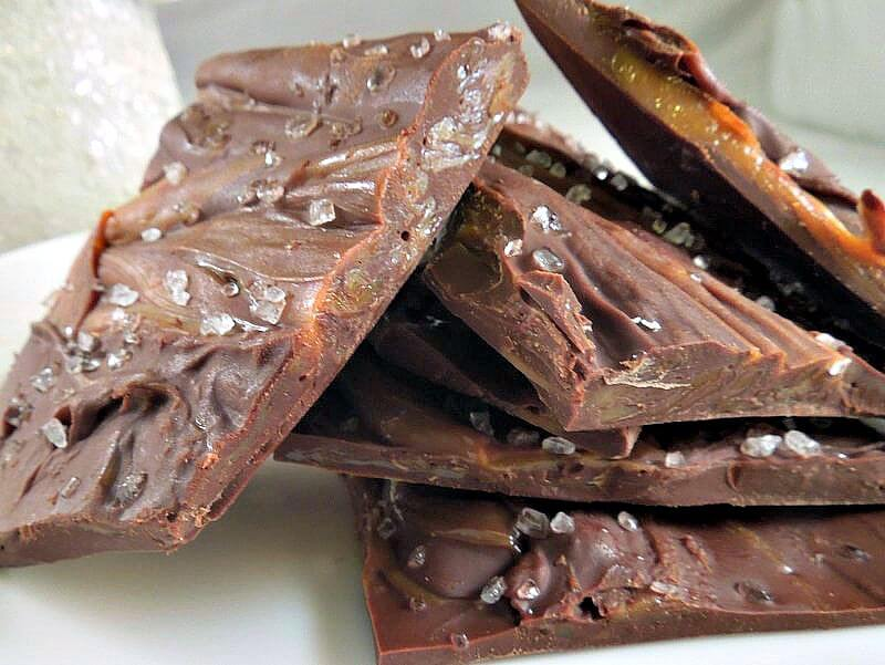 Salted Caramel Bark {Holiday Food Gifts} | Miss Information