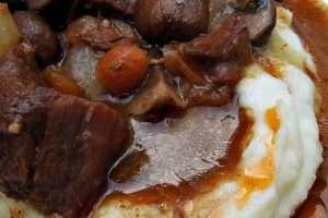 Slow Cooker Boeuf Bourguignon {Beef Burgandy}