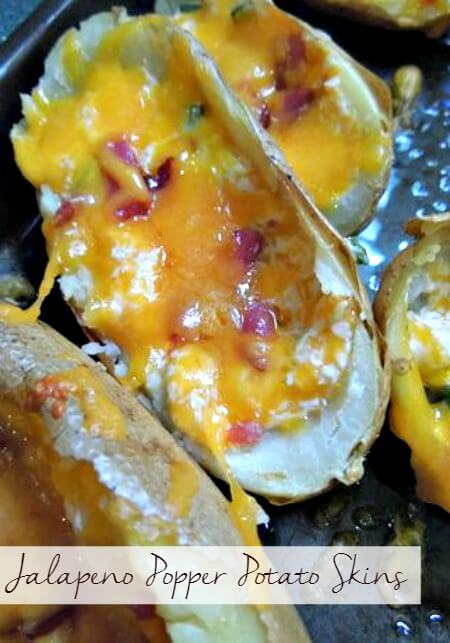 Potato Skins just got amazing with bacon and jalapenos! Pin it for parties and game day!