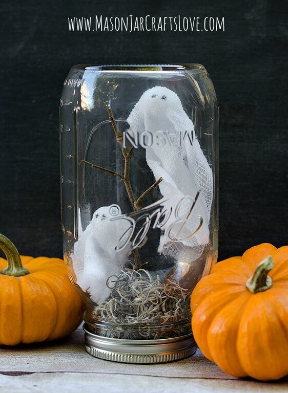20 Mason Jar Halloween Ideas - Miss Information