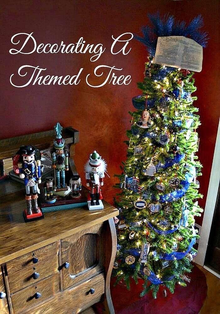 Patriotic Themed Christmas Tree Idea   Miss Information