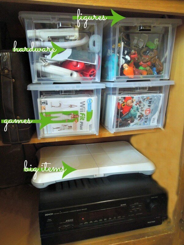 Use these drop front totes to organize your kids video games and accessories #RubbermaidAllAccess