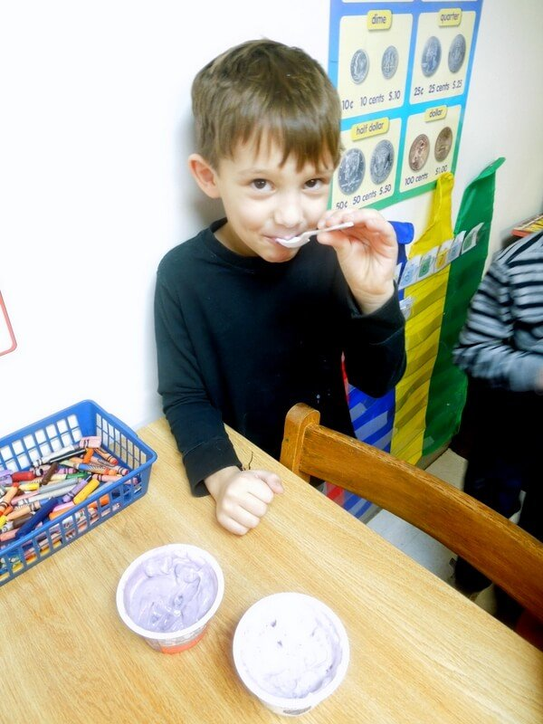 Take the Yoplait Taste-off challenge with kids and teach graphing #TasteOff
