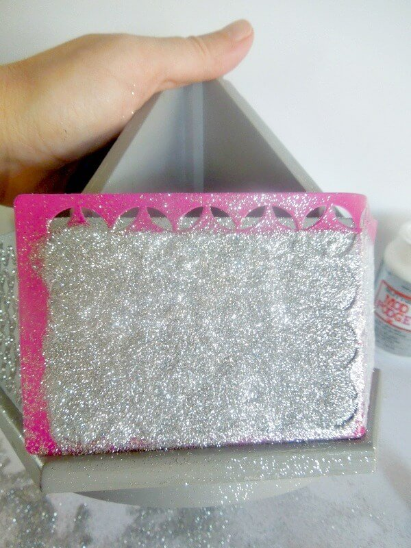 vinyl_stencil_mod_podge_rocks_plaid_crafts_glitter