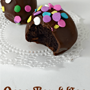 Oreo Truffles dipped in dark chocolate, so yummy and can be decorated with anything