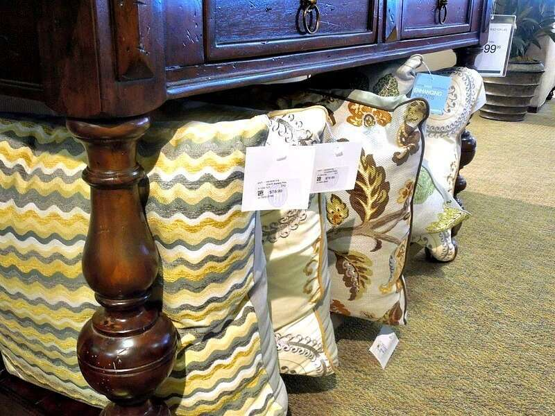 Great place to store extra pillows #havertysrefresh #decor