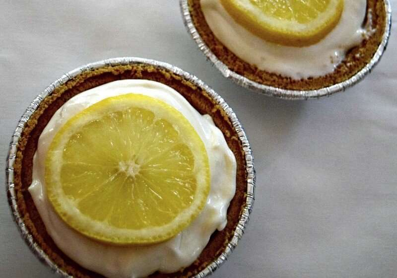 lemon_ice_box_pie_no_bake_dessert