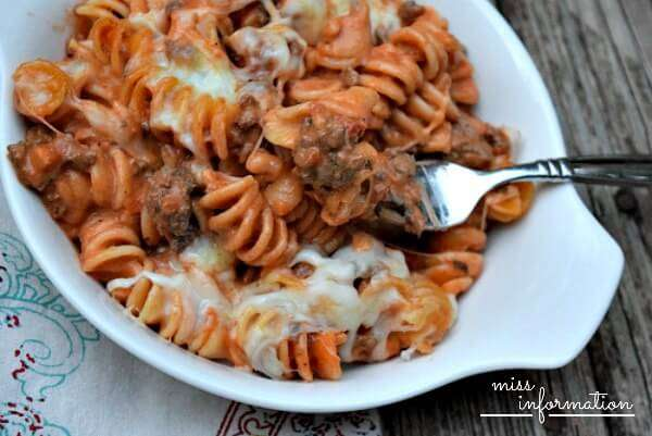 Easy Pasta Casserole - Miss Information