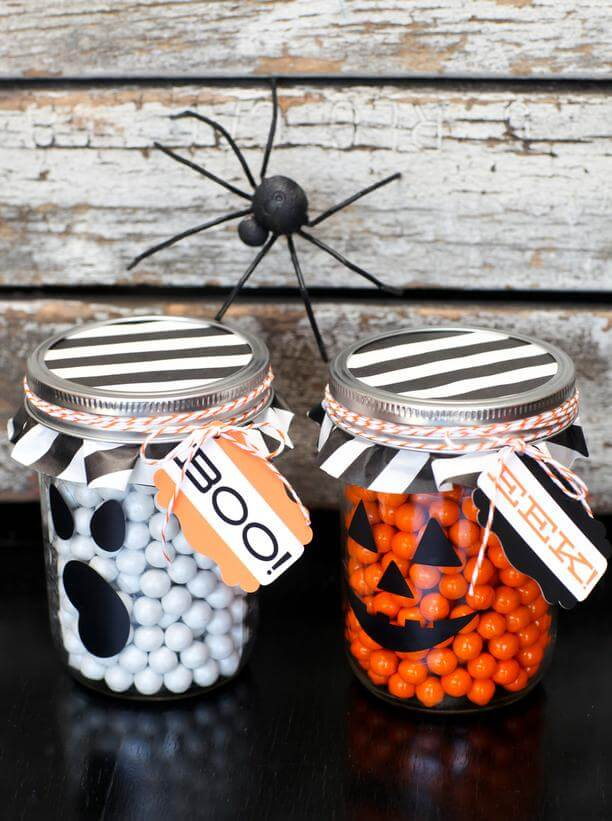 Amazing Halloween mason jar ideas for Halloween decorations and food ideas