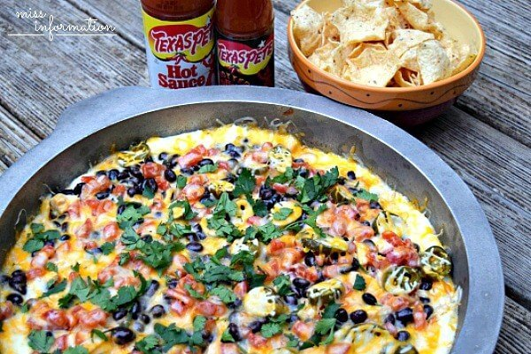 Chicken Fajita Dip is the perfect appetizer recipe. No more Nachos without toppings again. Great Game Day Dip #Texas Pete