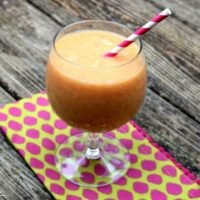 Get this yummy sunrise breakfast smoothie to start your day off right!