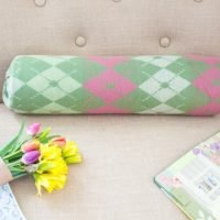 No Sew easy 1 minute quick change bolster pillow DIY. No pillow form needed make it from stuff you already have at your home!