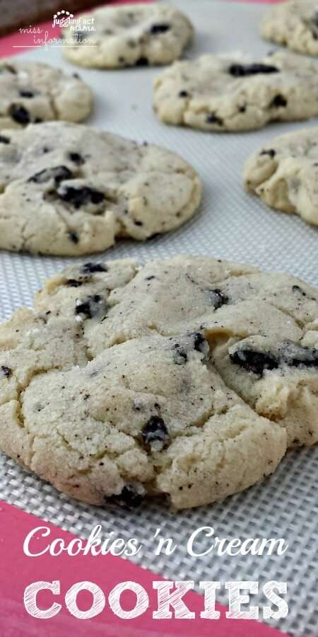 cookies and cream cookies are a great afternoon treat!