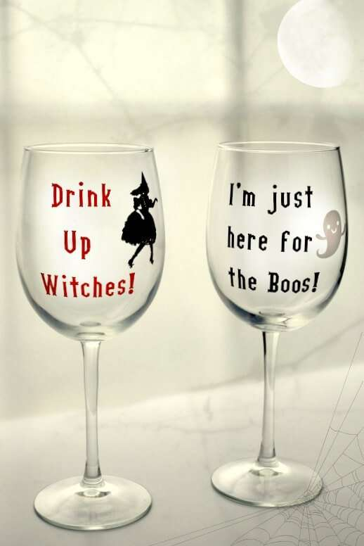 These wine glasses are perfect to trick or treat with! Made with a Cricut and Vinyl. Gotta Pin these for my friends!