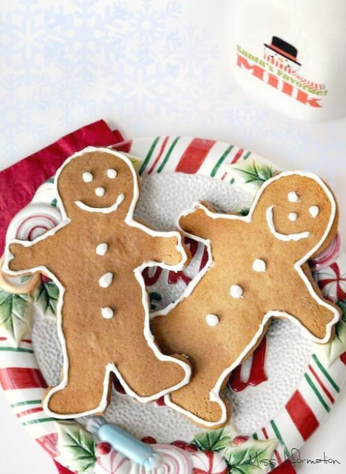Easy homemade gingerbread cookies recipe, fun to make with kids and the perfect Christmas cookie for Santa!