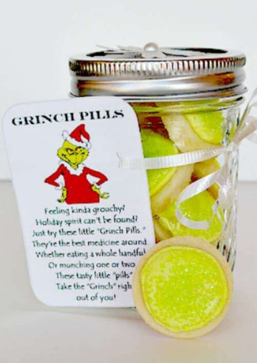 25 budget friendly amazing Mason Jar Christmas Gifts friends and family will love to recieve