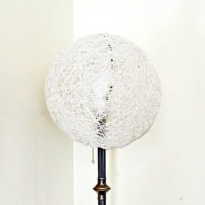 DIY Retro Sting Lamp Shade for a Floor Lamp! Just Mod Podge and String so easy to make