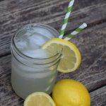 My favorite summer cocktail, mason jar lemonade!