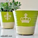 A quick crafty way to dress up a boring flower pot - Gold Dipped Flower Pot